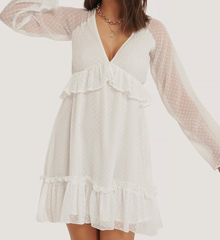 Løs Hvid Sommerkjole i Romantisk Stil