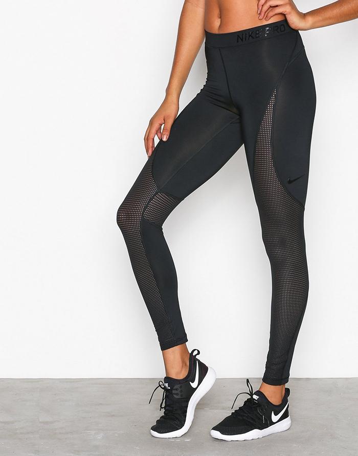 Sorte træningsbukser til kvinder fra Nike