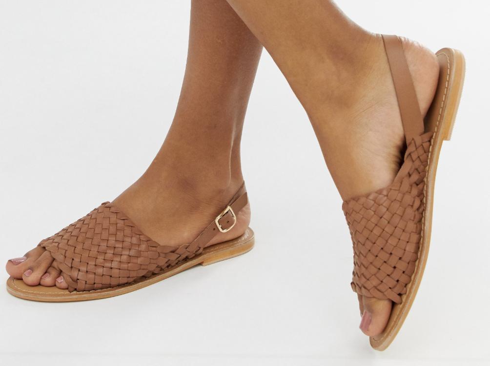 Flotte flettede sandaler til kvinder