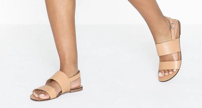 lyse sandaler til kvinder