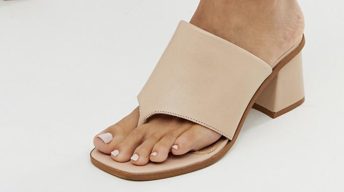 sandaler med høj hæl