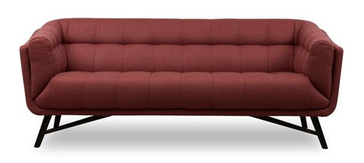 rød sofa i karismatisk design