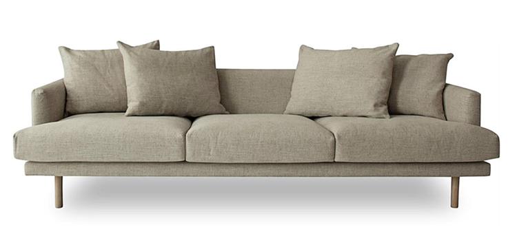 Flot sofa i naturmaterialer