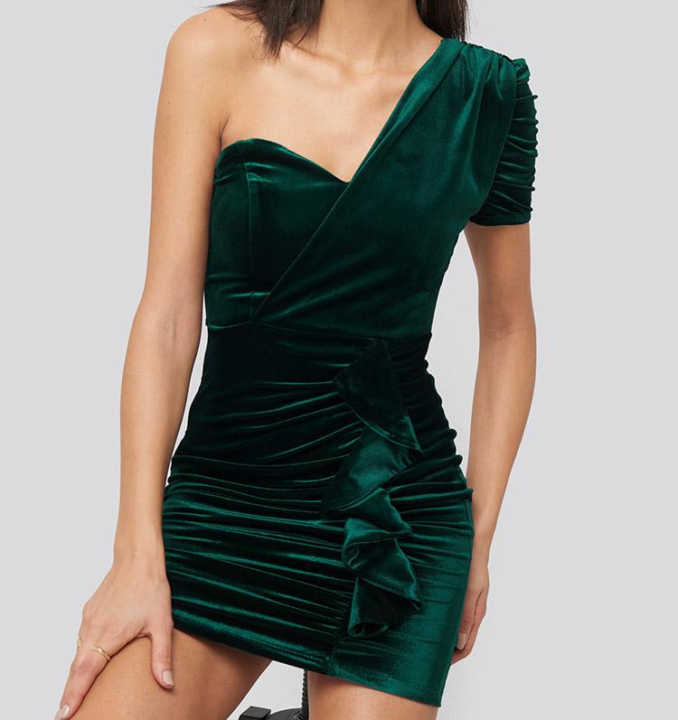 Elegant grøn nytårskjole i velour