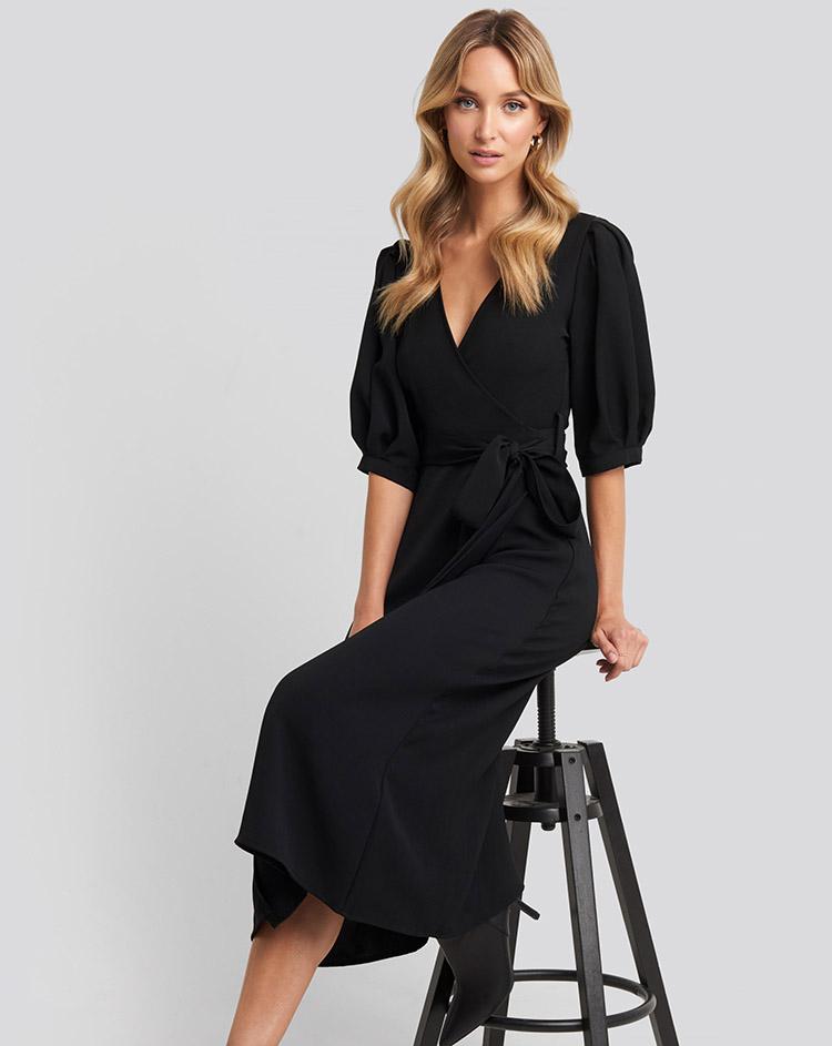 Elegant kjole med lange ærmer