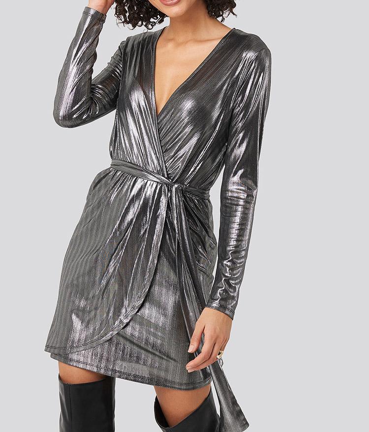 Elegant nytårskjole i rå sølv