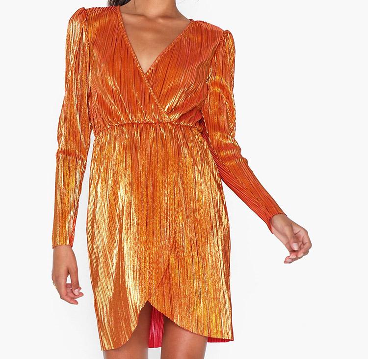 Orange nytårskjole med metaleffekt
