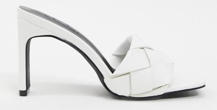 Flettede højhælede sandaler med hæl