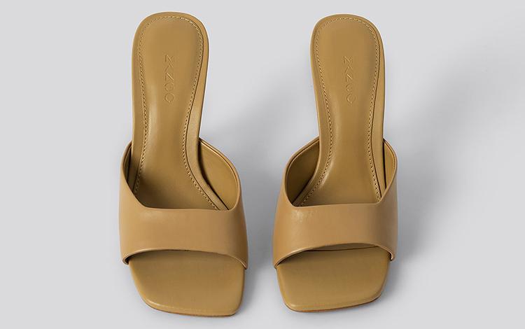Minimalistiske sandaler med høj hæl