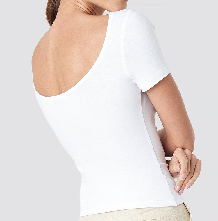 Tætsiddende hvid t-shirt til kvinder