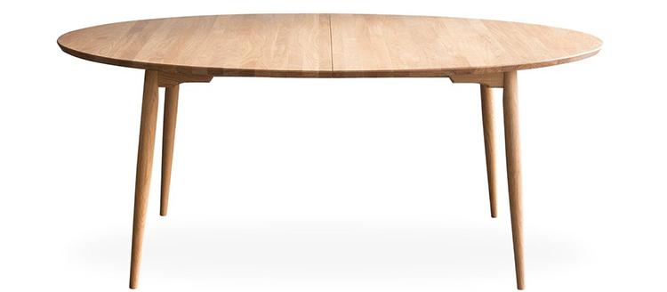 Ovalt spisebord med klassisk look