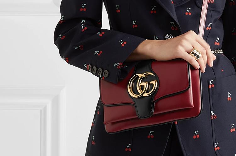 Elegant Gucci taske i lækker mørkerød læder