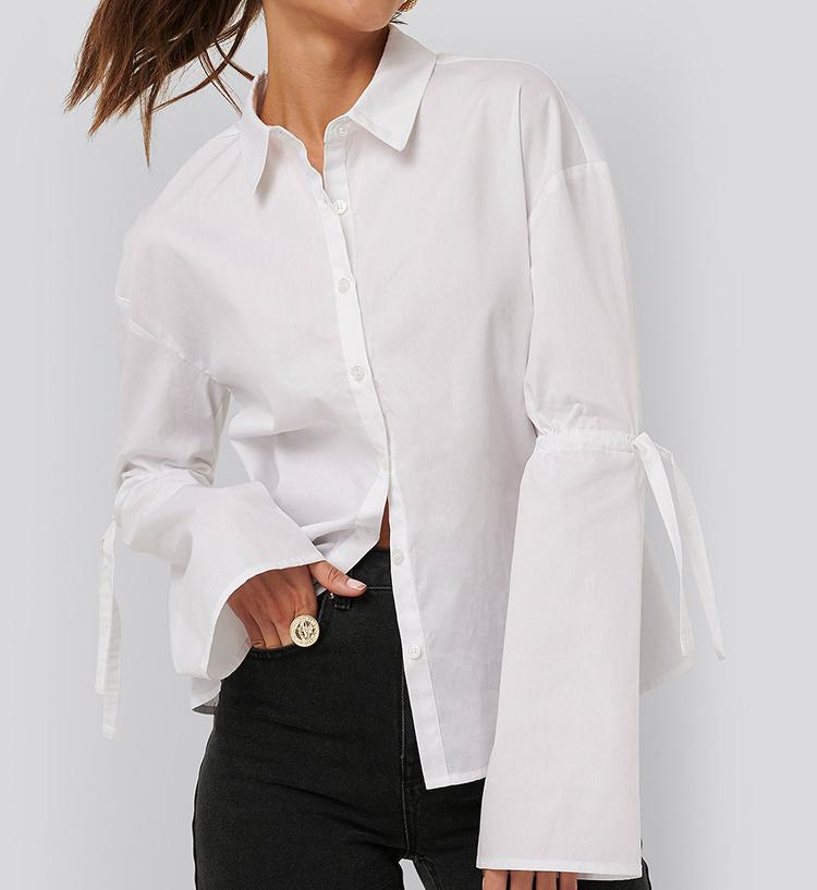 Elegant hvid skjorte med snørre