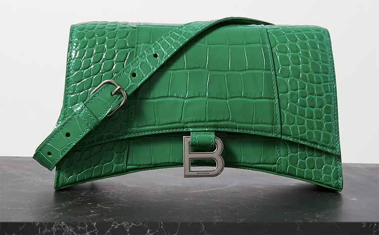 Grøn designertaske med krokodillestruktur