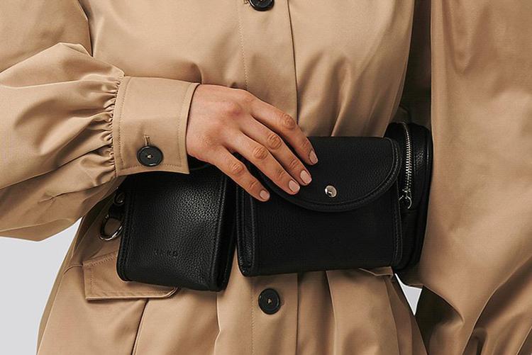 Lækker sort bæltetaske i anderledes design