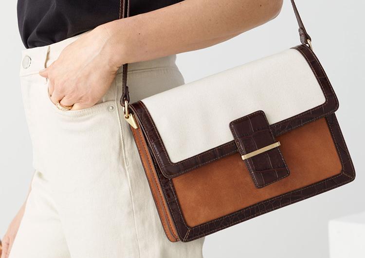 Smuk kunstneristisk taske i varme toner
