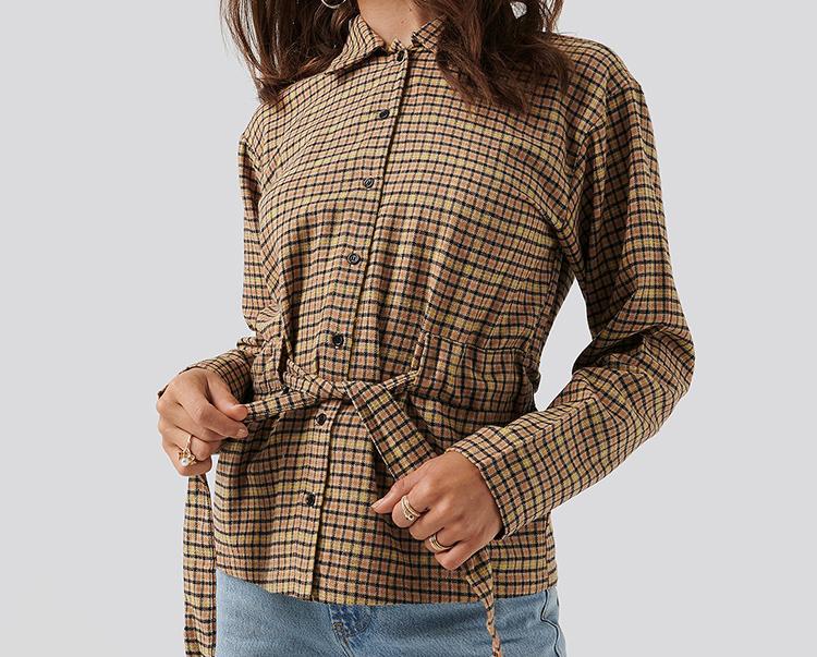 Ternede skjorte med taljebælte