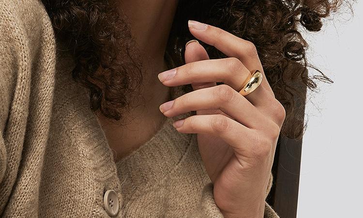 Billig guldbelagt ring i unikt design