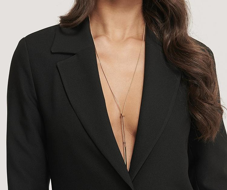 Billig halskæde i elegant spinkelt design