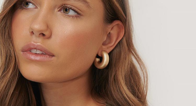 Billige øreringe der oser af luksus