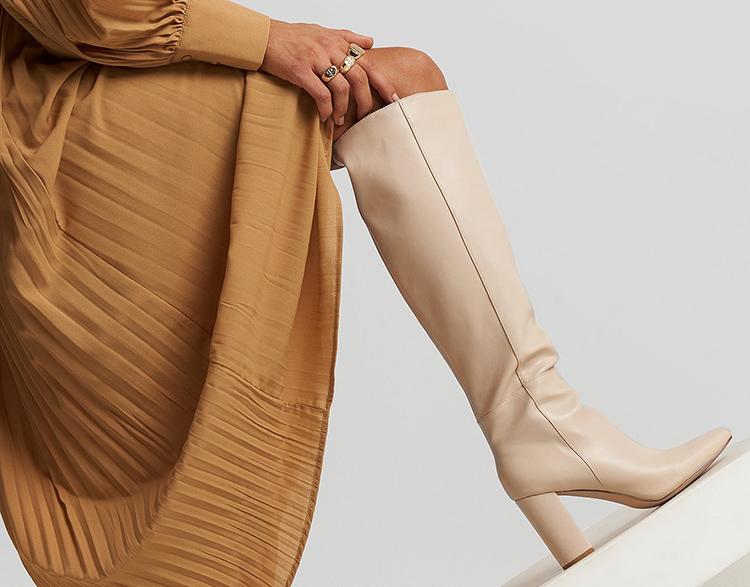 Behagelige højhælede støvler med højt skaft