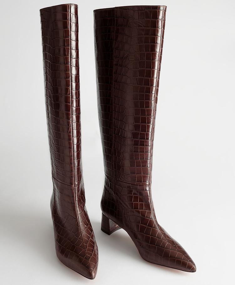 Brede højtskaftede læderstøvler i brun krokodille prægnering