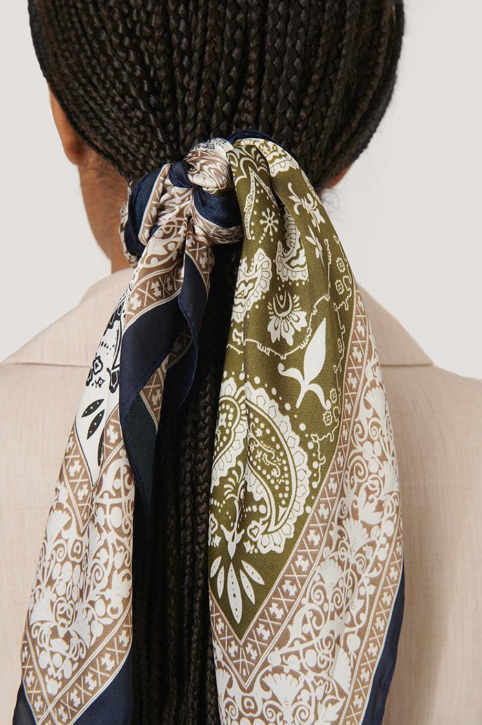 Feminint paisley tørklæde i silke look