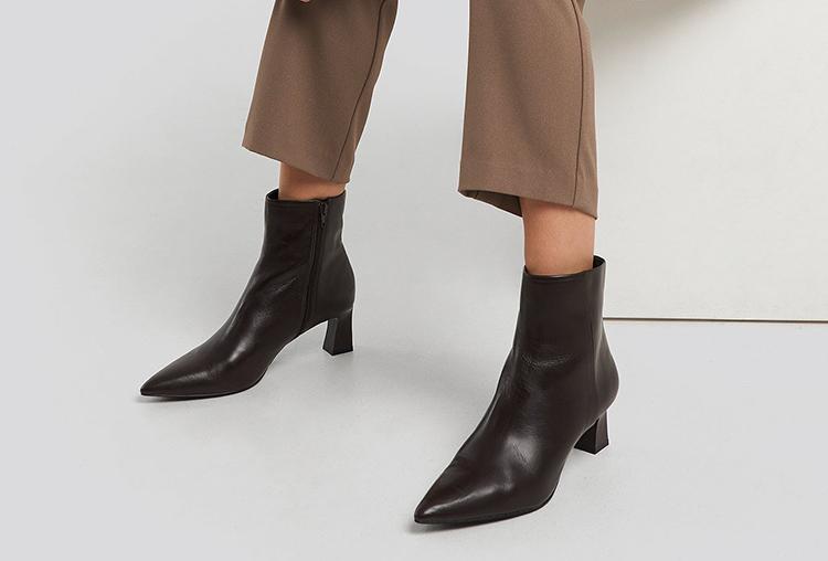 Flotte brune støvler med lille hæl