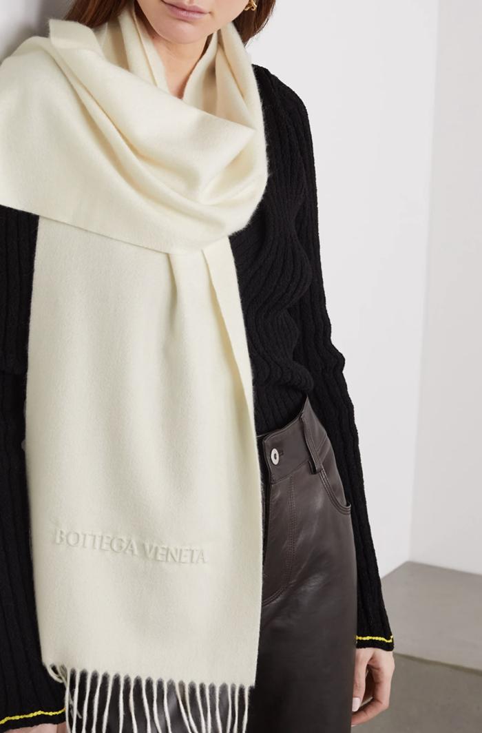 Hvidt kashmir tørklæde til kvinder fra Bottega Veneta