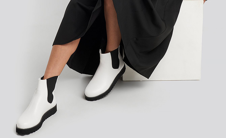 Kort hvide gummistøvler til kvinder