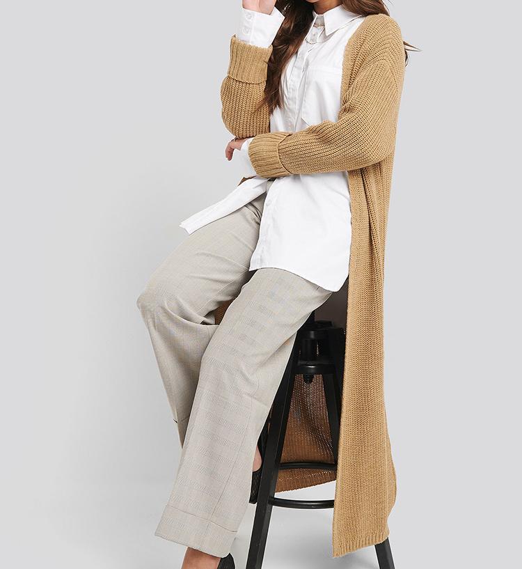 Lang beige cardigan i strik til kvinder