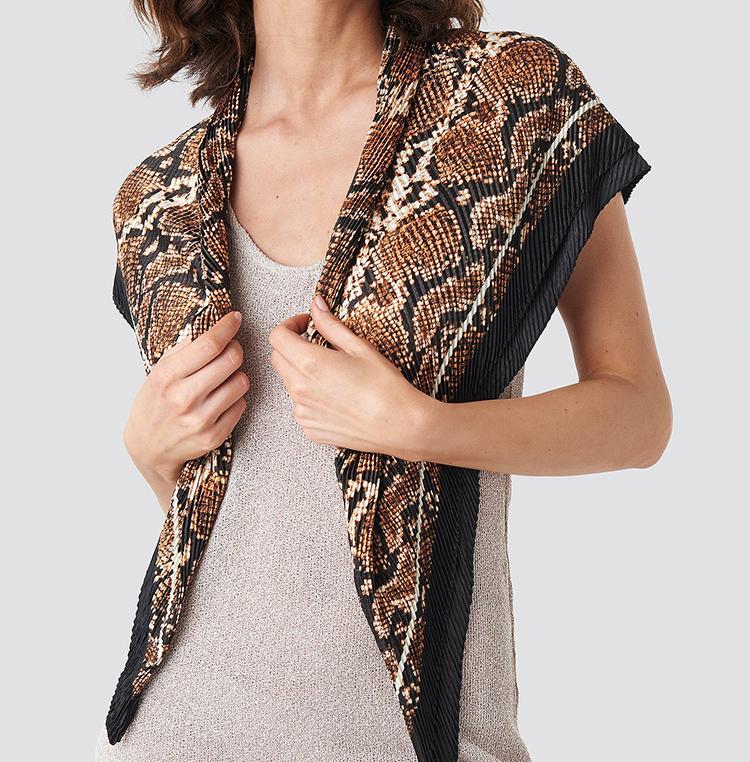 Plisseret tørklæde med reptilprint