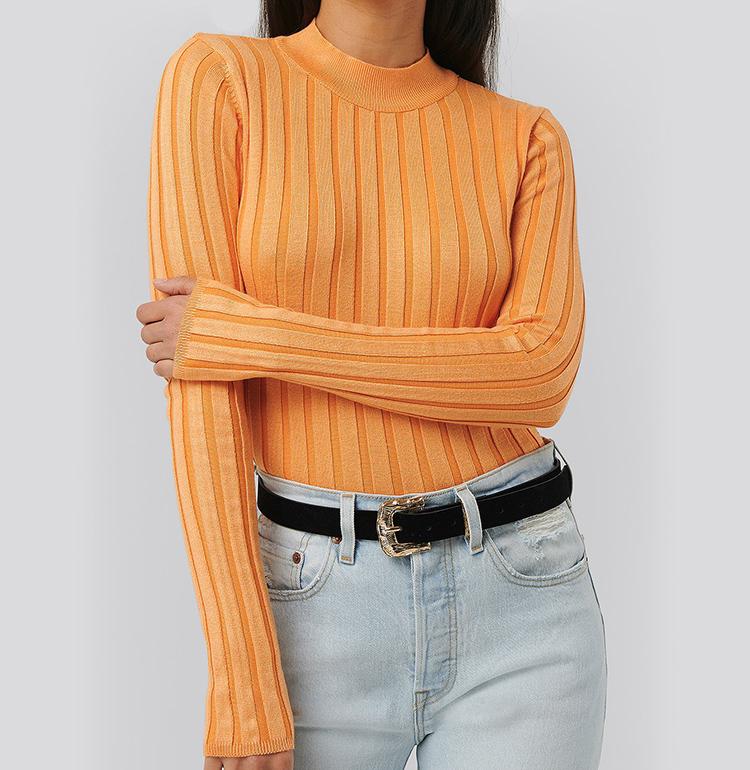 Ribbet orange striktrøje til kvinder