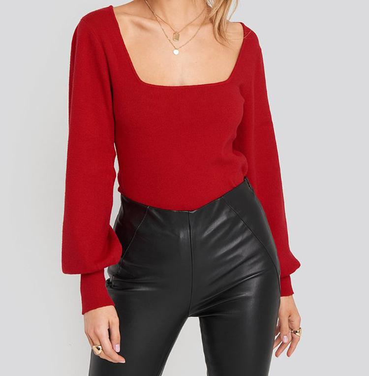 Smuk rød striktrøje til kvinder