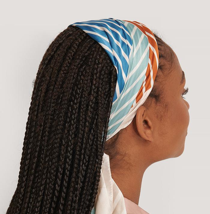 Smukt stribet tørklæde til kvinder