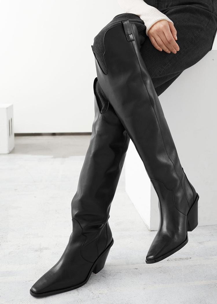 Sorte knæhøje støvler med lille hæl