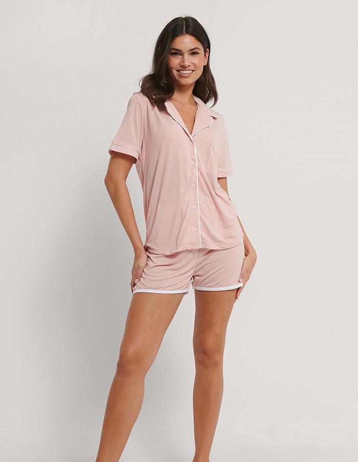 Afslappet nattøj i rosa bomuld