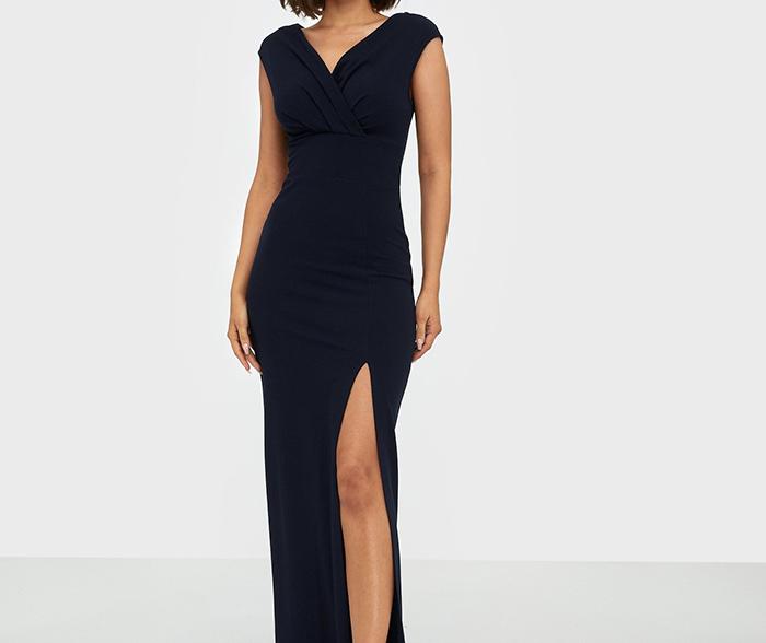 Elegant navy blå festkjole i klassisk stil