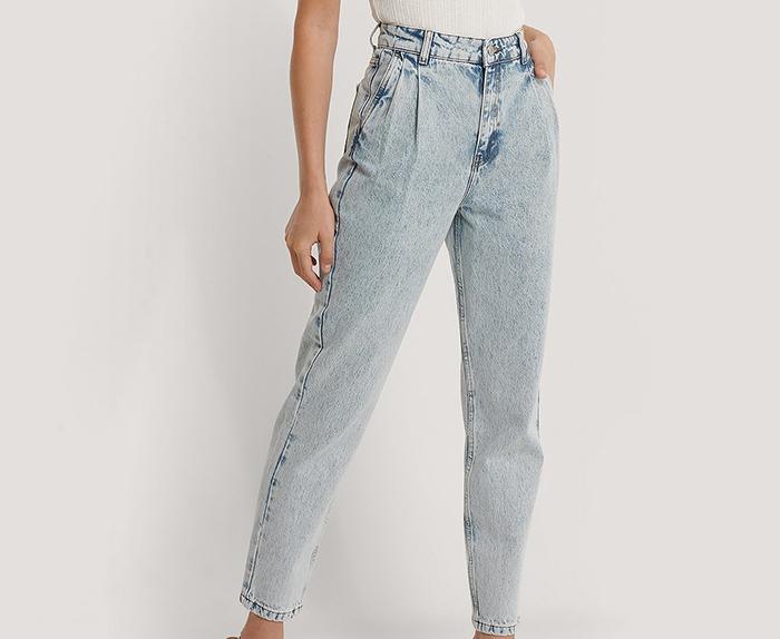 Højtaljede mom jeans i lys denim