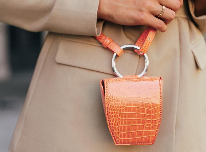 Sød minitaske i orange Krokodilletrykll
