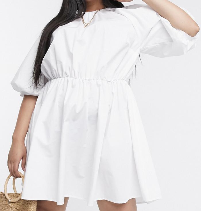 Smuk løs kjole med trekvart ærmer