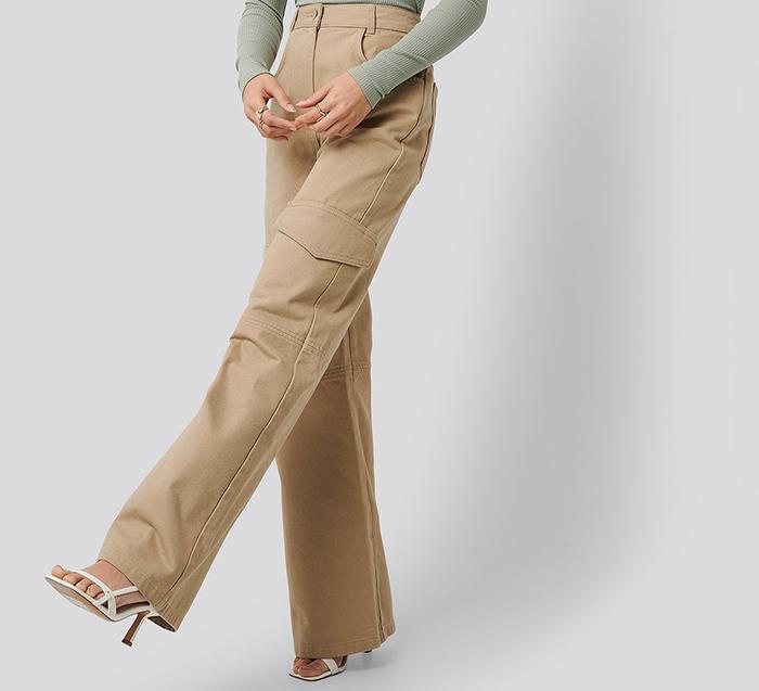 Beige dame bukser i arbejderstil