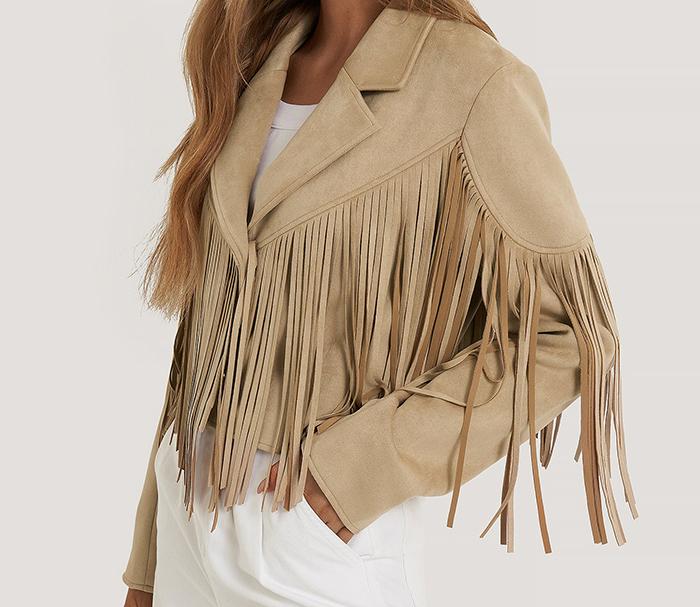 Flot frynse jakke i imiteret ruskind og western stil