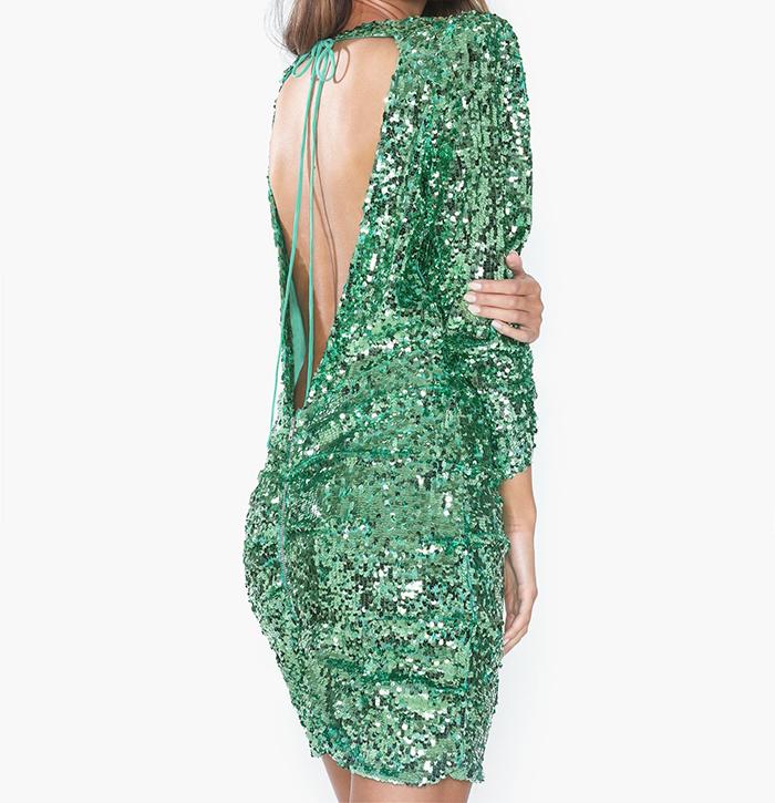 Glitrende grøn pallietkjole med åben ryg