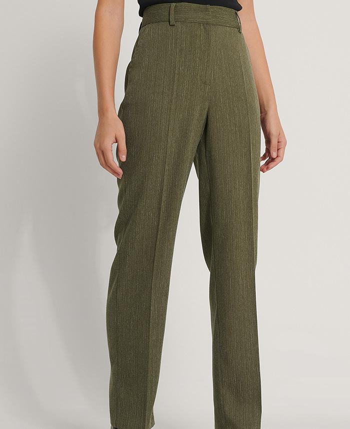 Højtaljede habitbukser i lækker grøn hørblend