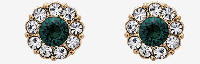 Klassiske øreringe med grønne sten og guld