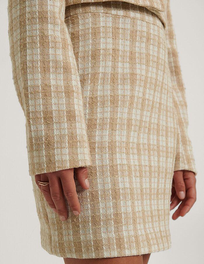 Kort sød tweed nederdel i beige