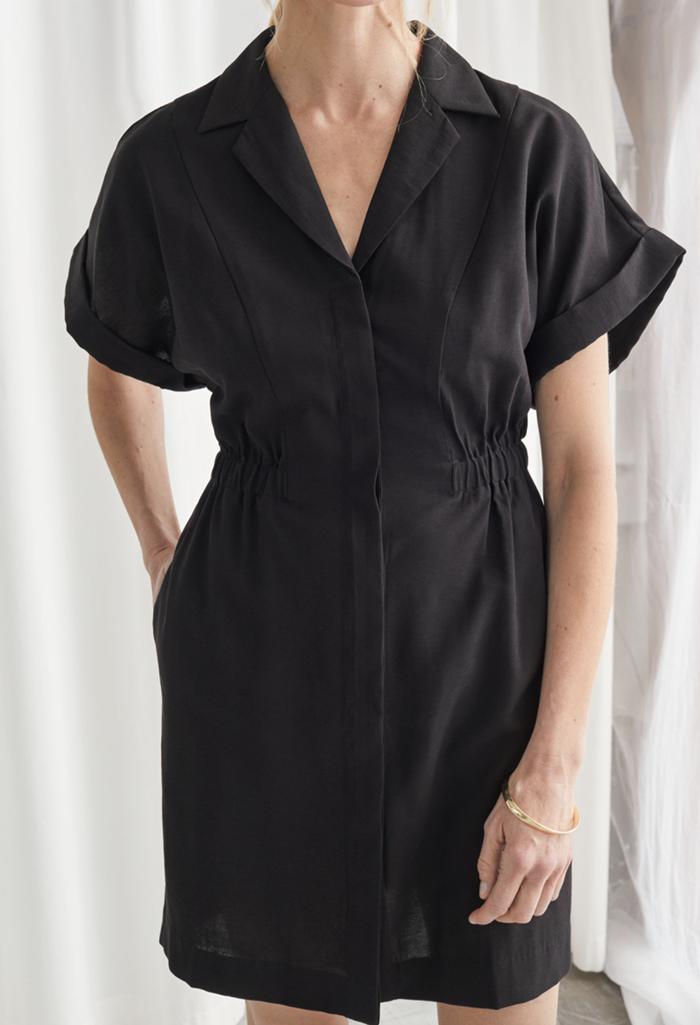 Lækker mini kjole i elegant men råt design