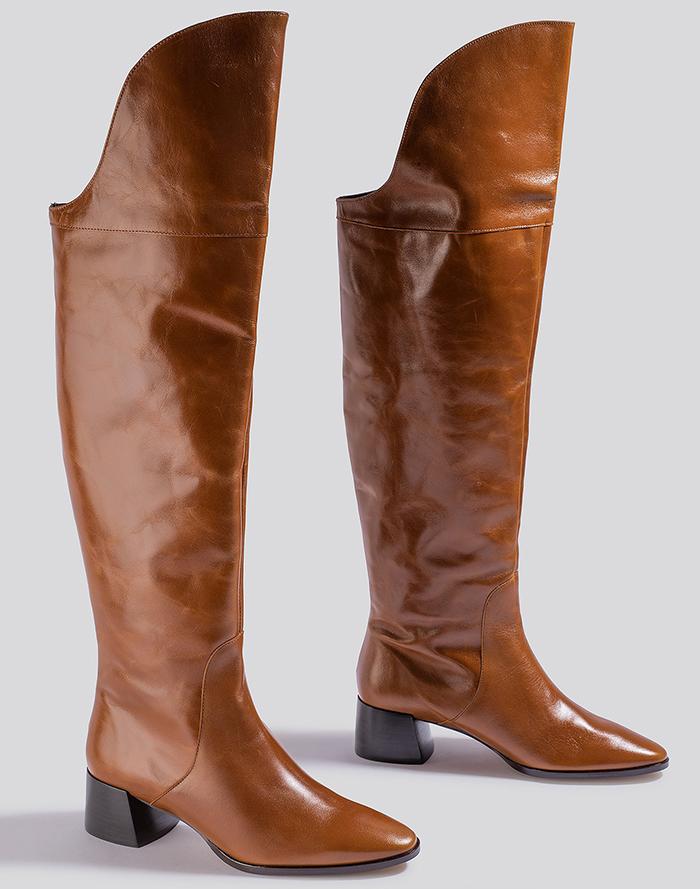 Lækre højskaftede støvler i smuk brun farve