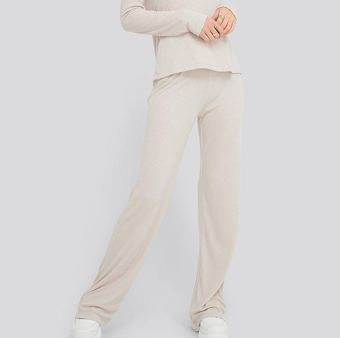 Lyse strikket bukser til kvinder